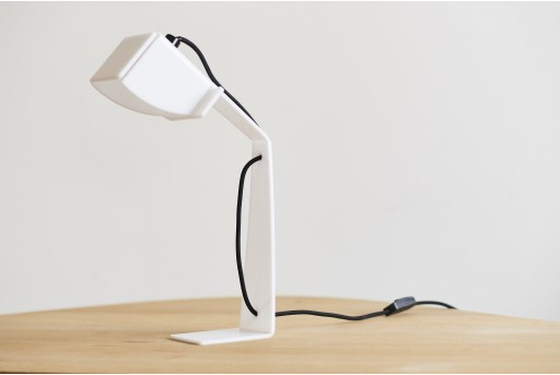 Plypoise lamp Desk